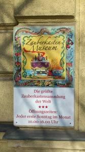 http://www.zauberkasten-museum.at
